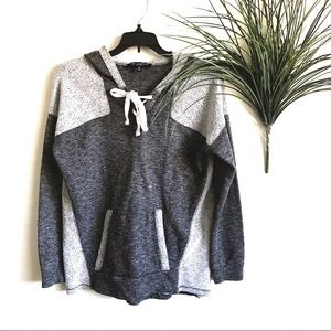 One Clothing White & Gray Lightweight Sweater